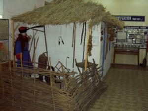 Казачья хатка в интерьере музея